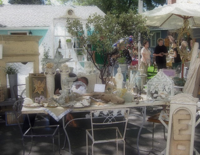 Roseville Antique Market